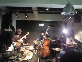 バックインタイム楽しかったです。明けて本日8日は新宿あうんに出演します。_f0178313_1311613.jpg