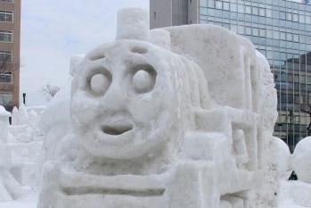 第62回さっぽろ雪まつり開催中。で、子供の頃から気になっている事があります。_e0146210_2056229.jpg