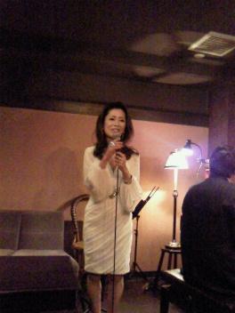 新宿あうん~明けて本日学芸大学のアジアンカフェ初出演です。_f0178313_114182.jpg