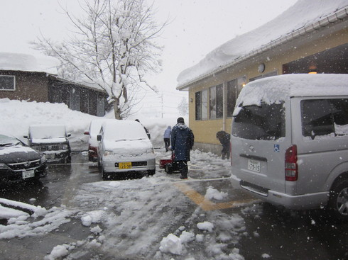 雪国の送迎_e0142373_2593627.jpg