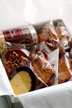 パリ セヴェイユの焼き菓子_b0048834_7265216.jpg