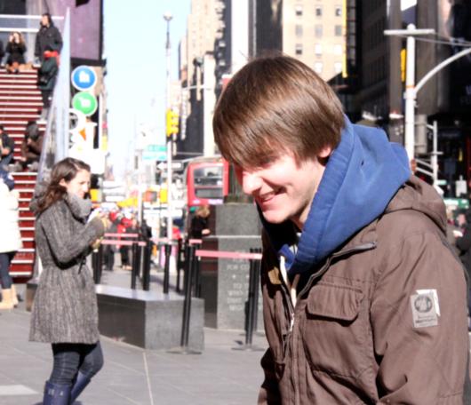 NYのバレンタイン、みんなで支えるハート型のパブリック・アートがついに登場!_b0007805_23595752.jpg