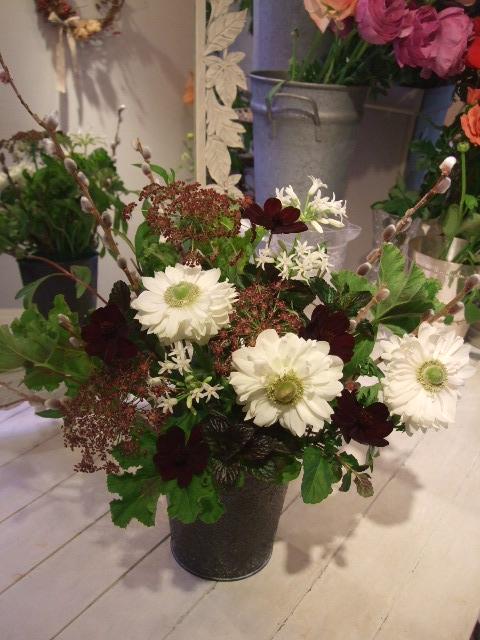 オークリーフ花の教室(富田さんと、島崎さんの作品)_f0049672_17234312.jpg