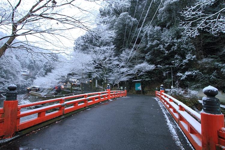 雪の神護寺_e0051888_21365380.jpg