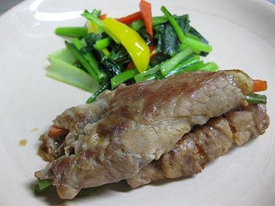 豚肉の野菜巻き(2/9)、クリ-ムシチュ-(2/11)♪_f0116812_17102786.jpg