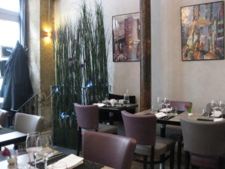Le Gaigne マレ地区の小さなレストラン_d0156457_9322456.jpg