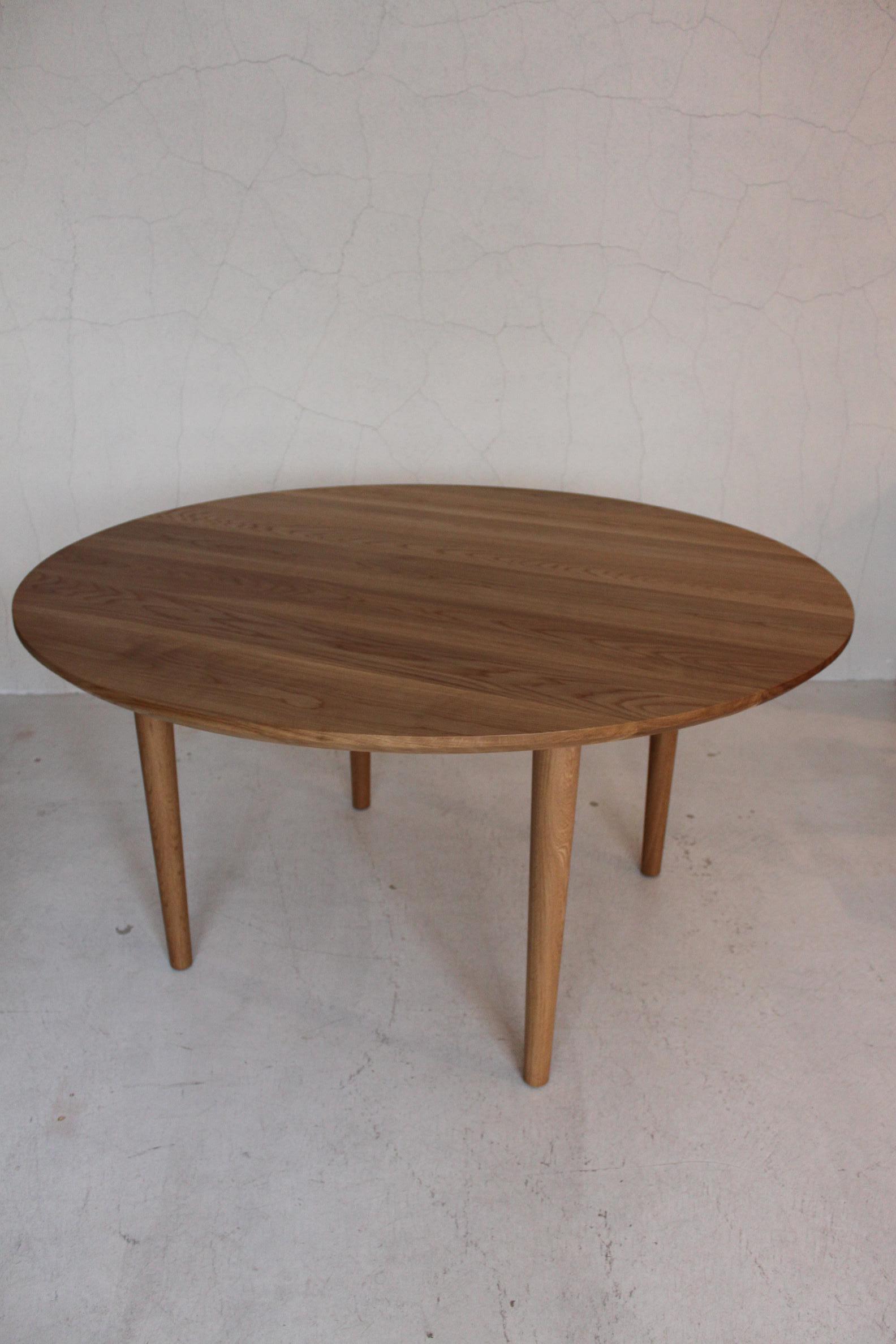 CIRCLE TABLE_c0146581_13355349.jpg