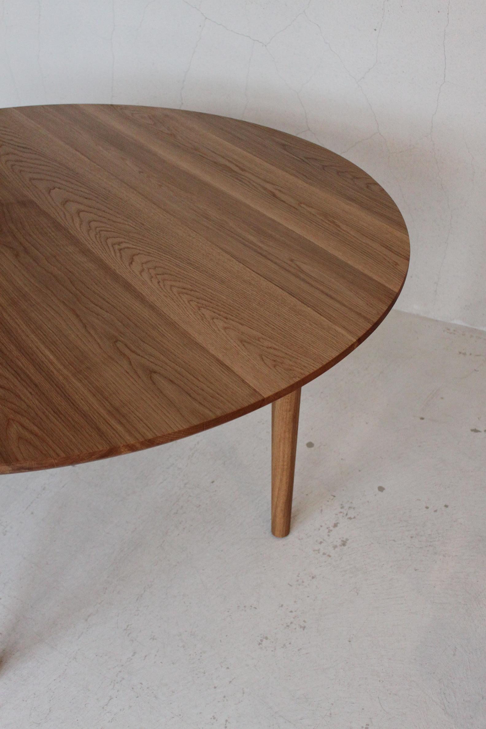 CIRCLE TABLE_c0146581_13361418.jpg