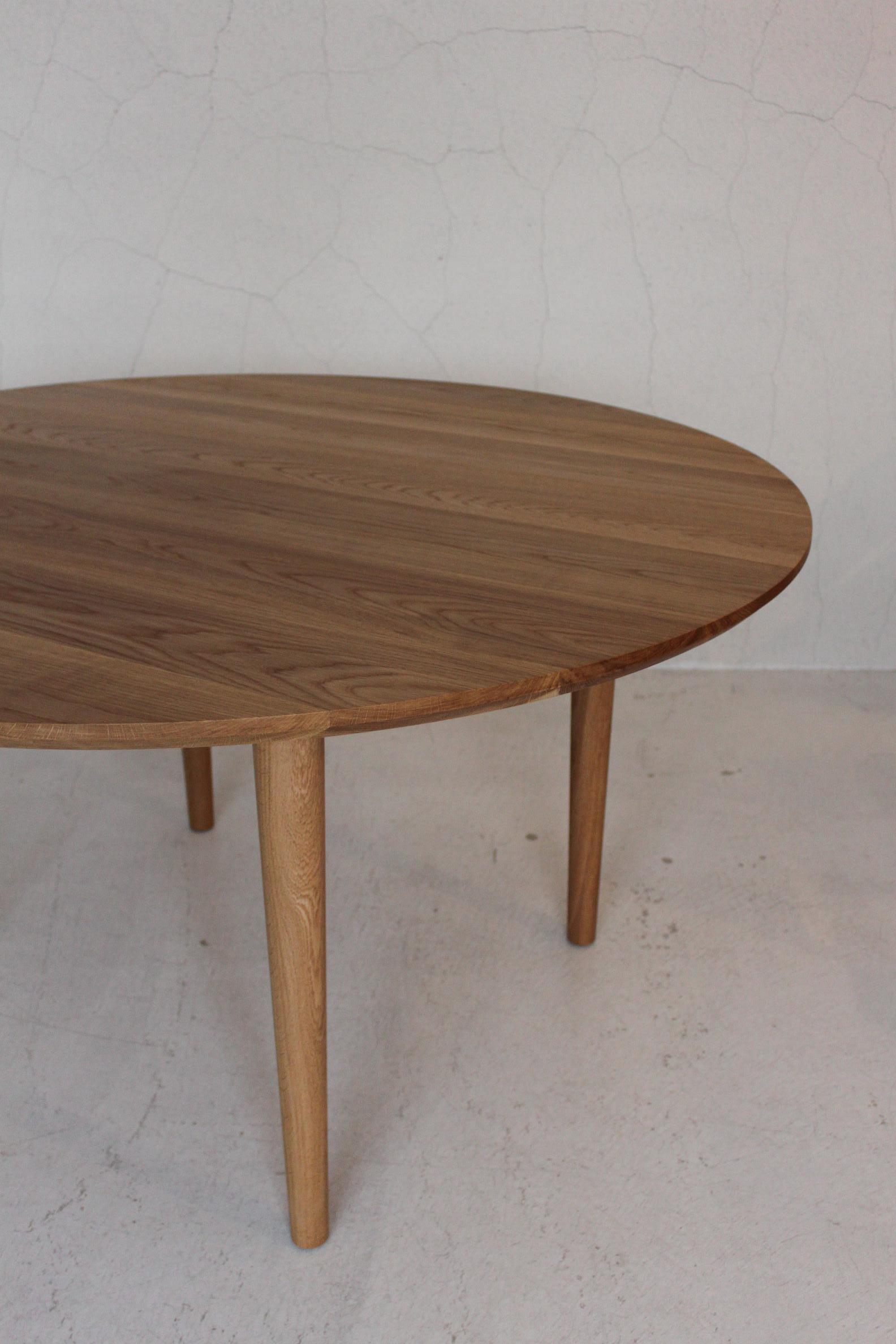 CIRCLE TABLE_c0146581_1336255.jpg