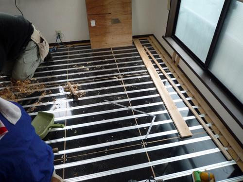 遠赤外線の床暖房のつづき_a0148909_10384594.jpg