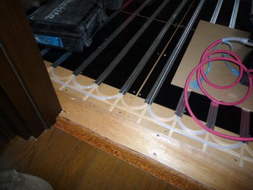 遠赤外線の床暖房のつづき_a0148909_1044862.jpg
