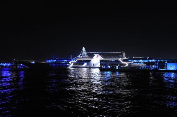 bills 横浜赤レンガ倉庫_d0080653_21545187.jpg
