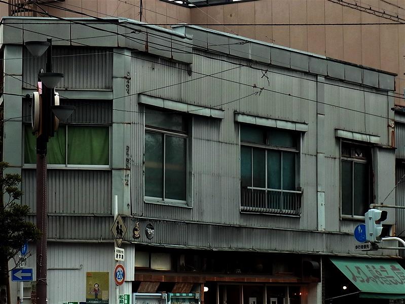 二階窓_c0156717_910355.jpg