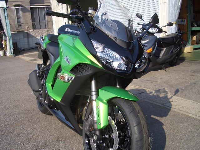 Ninja1000 試乗車アリマス。_a0169121_1344244.jpg