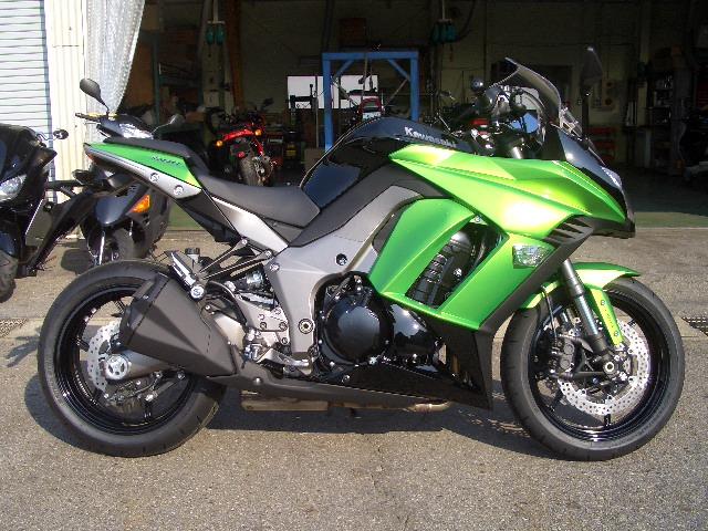 Ninja1000 試乗車アリマス。_a0169121_1344829.jpg
