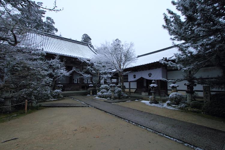 雪の西明寺_e0051888_4284410.jpg