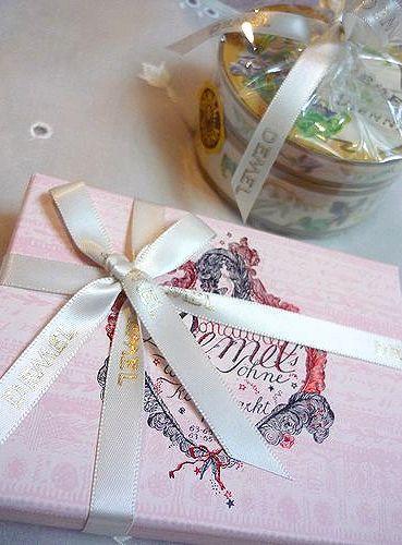 DEMEL デメル + Godiva ゴディバのチョコレート。。。故郷からの贈り物* *。:☆.。† ♡。・*。゚_a0053662_23305289.jpg