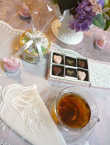 DEMEL デメル + Godiva ゴディバのチョコレート。。。故郷からの贈り物* *。:☆.。† ♡。・*。゚_a0053662_2340870.jpg