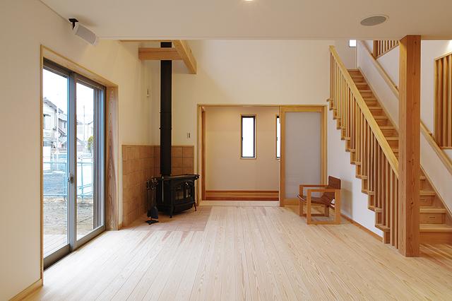 「薪ストーブのある自然素材の木の家」完成見学会!_a0059217_16235755.jpg