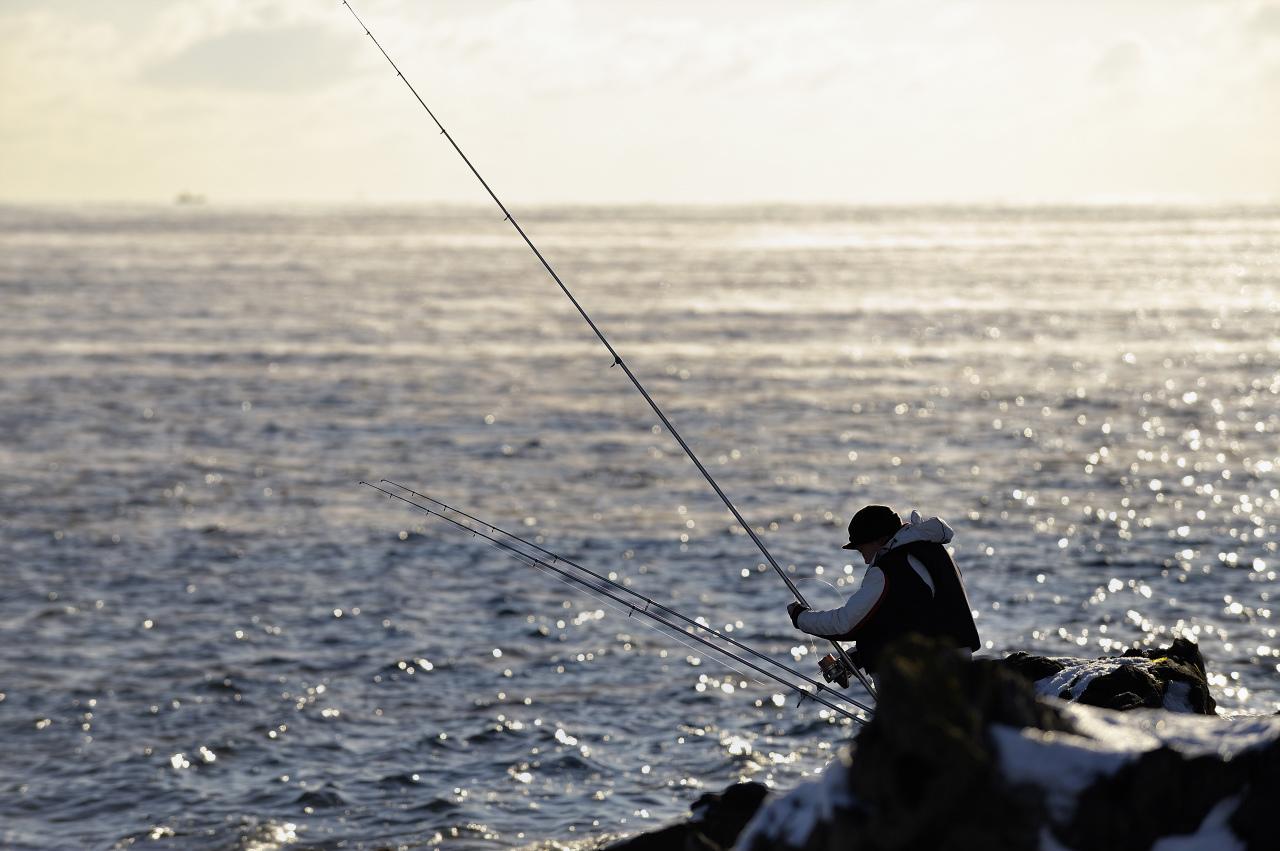 真冬の釣り人_e0171886_1913253.jpg