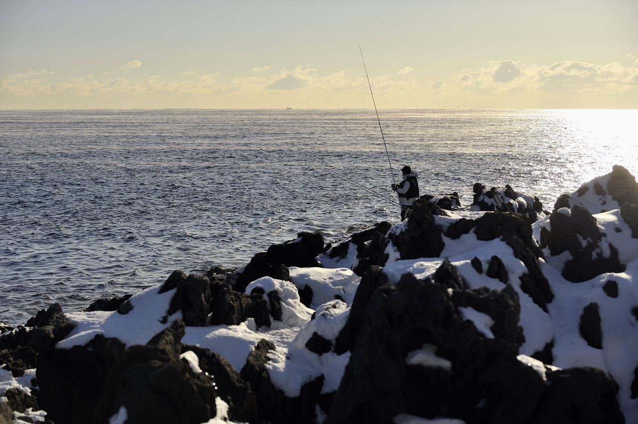 真冬の釣り人_e0171886_19133061.jpg