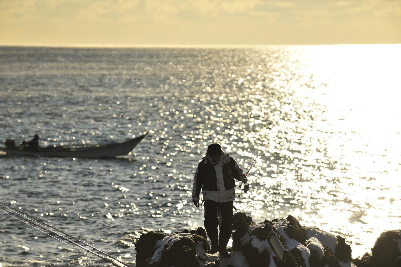 真冬の釣り人_e0171886_1994389.jpg