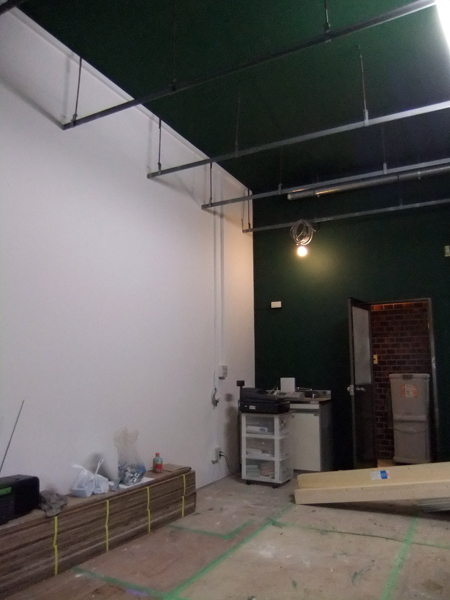 店舗リニューアル 内装塗装-2!_c0225122_9582759.jpg