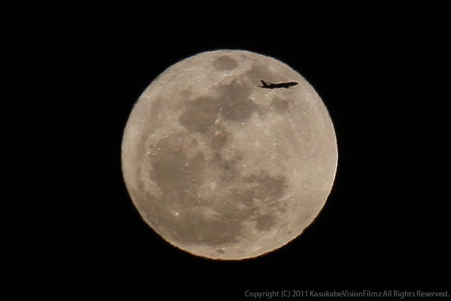 月齢:15.27 輝面比:100.00%_b0136231_1823746.jpg