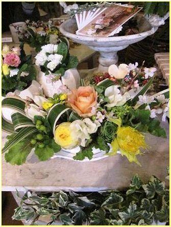 雛祭りっぽいアレンジメント_f0220869_8232370.jpg