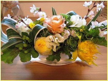 雛祭りっぽいアレンジメント_f0220869_8252613.jpg