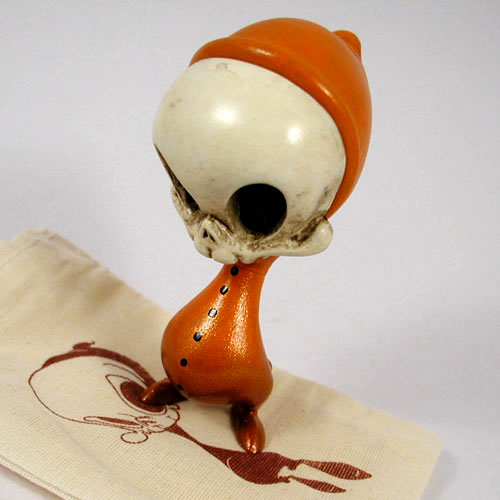Vintage Spooky Mini Skelve by K. Olivas & B. Peters_e0118156_21544046.jpg