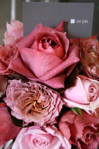 茶系〜ピンクのバラを束ねて.....(クラッチブーケ)♪♪_e0149863_15511494.jpg