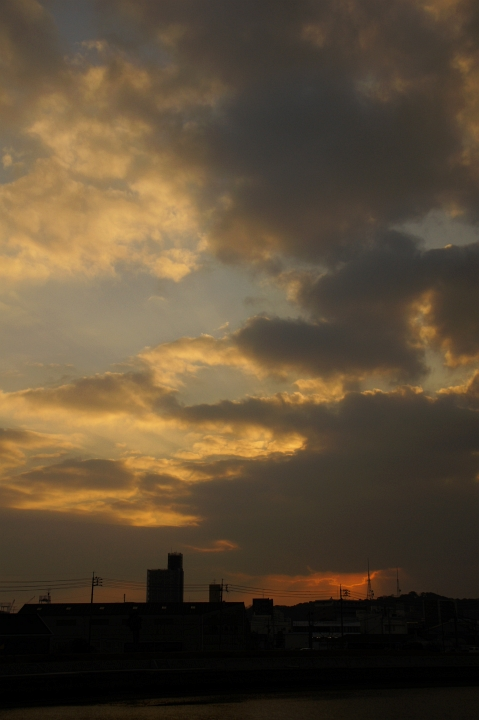 空を見ながら季節の移ろいを思う_f0189086_22241956.jpg