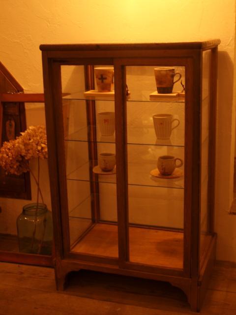 陶器の棚♪_b0205599_19404055.jpg