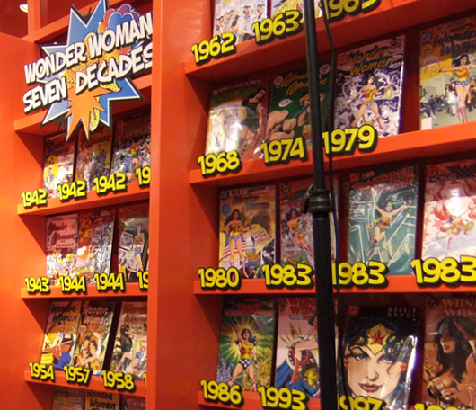 コスメのMACと漫画のワンダーウーマンがコラボしたポップアップストアがNYにオープン中!_b0007805_15534596.jpg