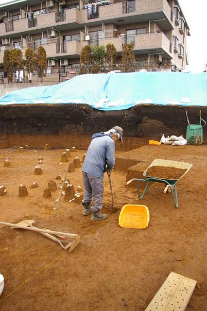Excavation of Tsukimino-kamino site Loc.14_a0186568_2323552.jpg