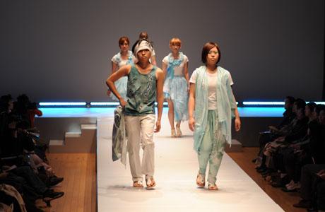 名古屋ファッション専門学校ファッションフェスティバル2012_b0110019_1411223.jpg