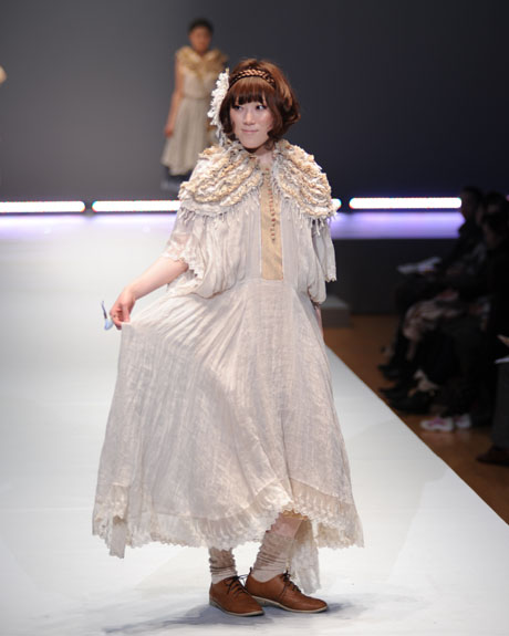 名古屋ファッション専門学校ファッションフェスティバル2012_b0110019_1421741.jpg