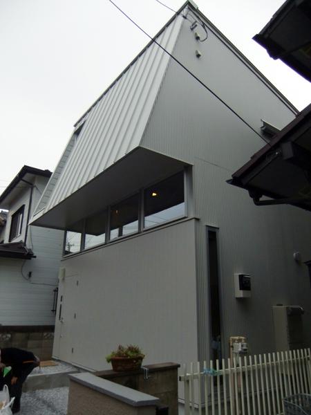 新築なのに懐かしい建物!_c0225122_10562543.jpg