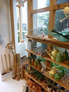 JIYUGAOKA その3 雑貨のある家具のお店♪_a0165160_5205645.jpg