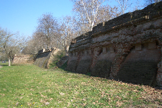 フェッラーラの城壁 : 北編_a0169172_1312383.jpg