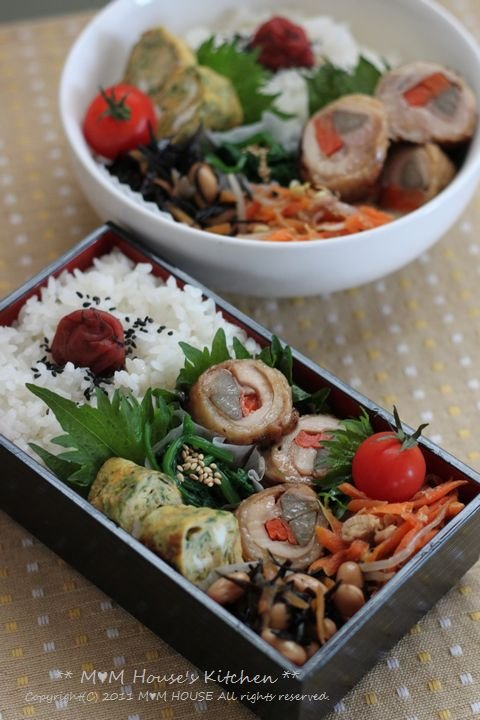 ニャンニャンニャンコの日 ☆ 今日のお弁当♪_c0139375_1123040.jpg
