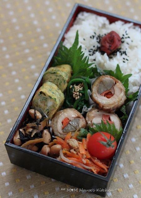 ニャンニャンニャンコの日 ☆ 今日のお弁当♪_c0139375_115224.jpg