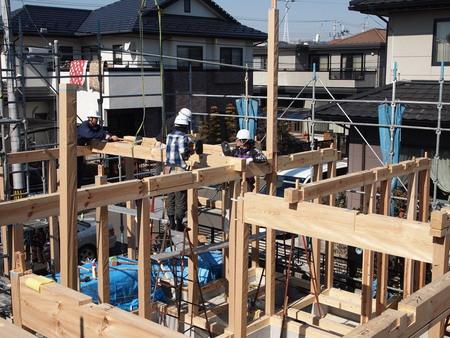 伝統構法の家建て方開始_e0046396_1548441.jpg
