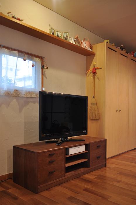 テレビ台_f0131699_2147264.jpg