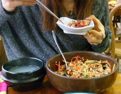 2011年2月釜山の旅 ⑦ソムジンガンのシジミ汁で朝ご飯_a0140305_1114342.jpg