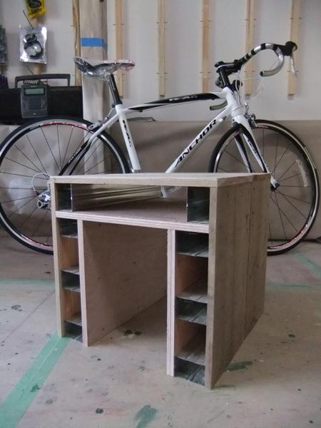 自転車店舗改修 棚・イス!_c0225122_10202435.jpg