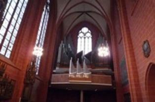 Frankfurt フランクフルトの教会_e0195766_6501225.jpg