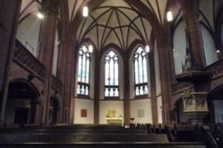 Frankfurt フランクフルトの教会_e0195766_6532643.jpg