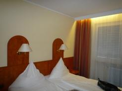 Frankfurt フランクフルトのホテル_e0195766_9194370.jpg